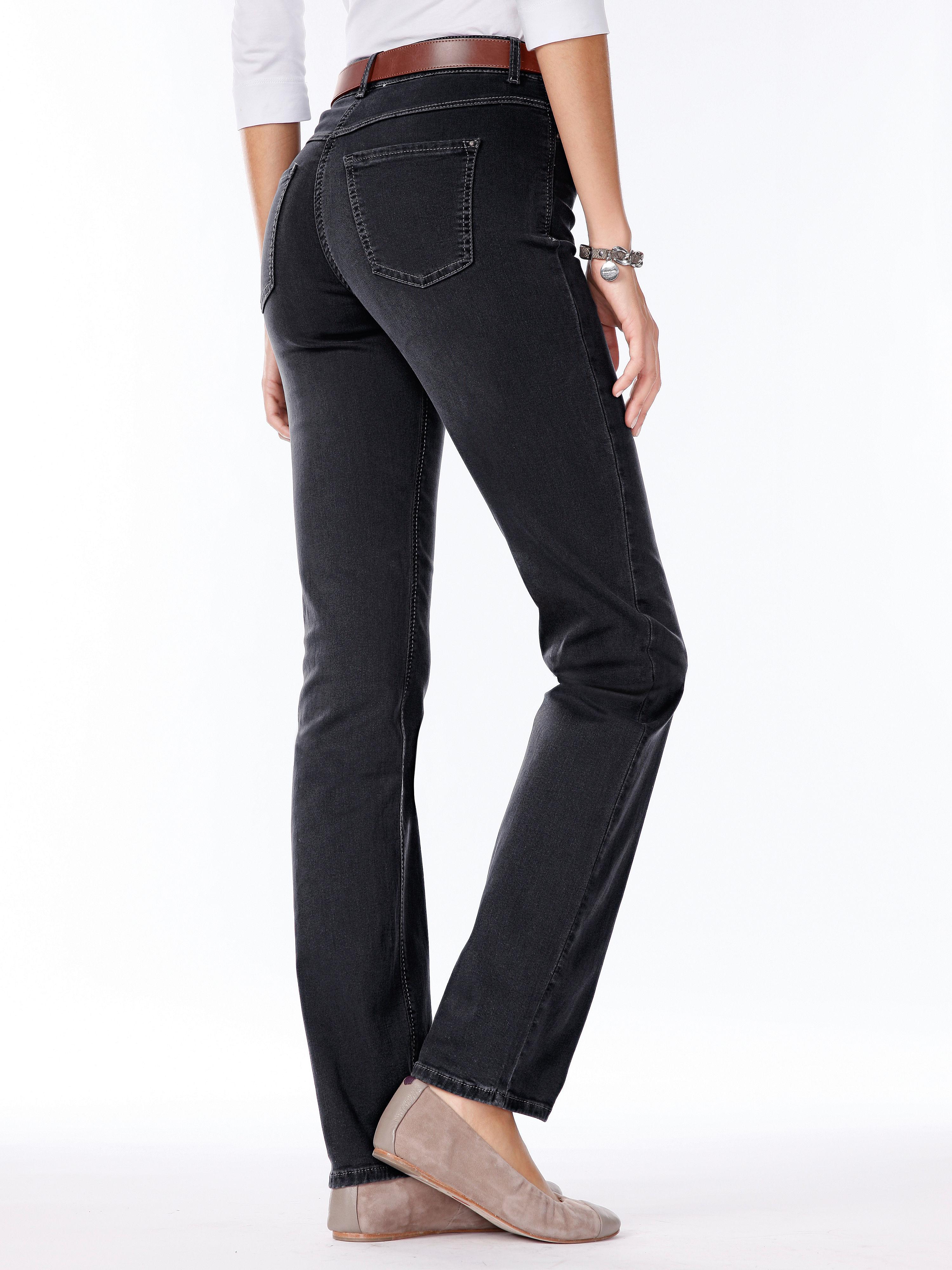 Jeans 'dream' van mac, in smal 5 pocketsmodel met optimale bewegingsvrijheid dankzij innovatieve en bijzonder ...