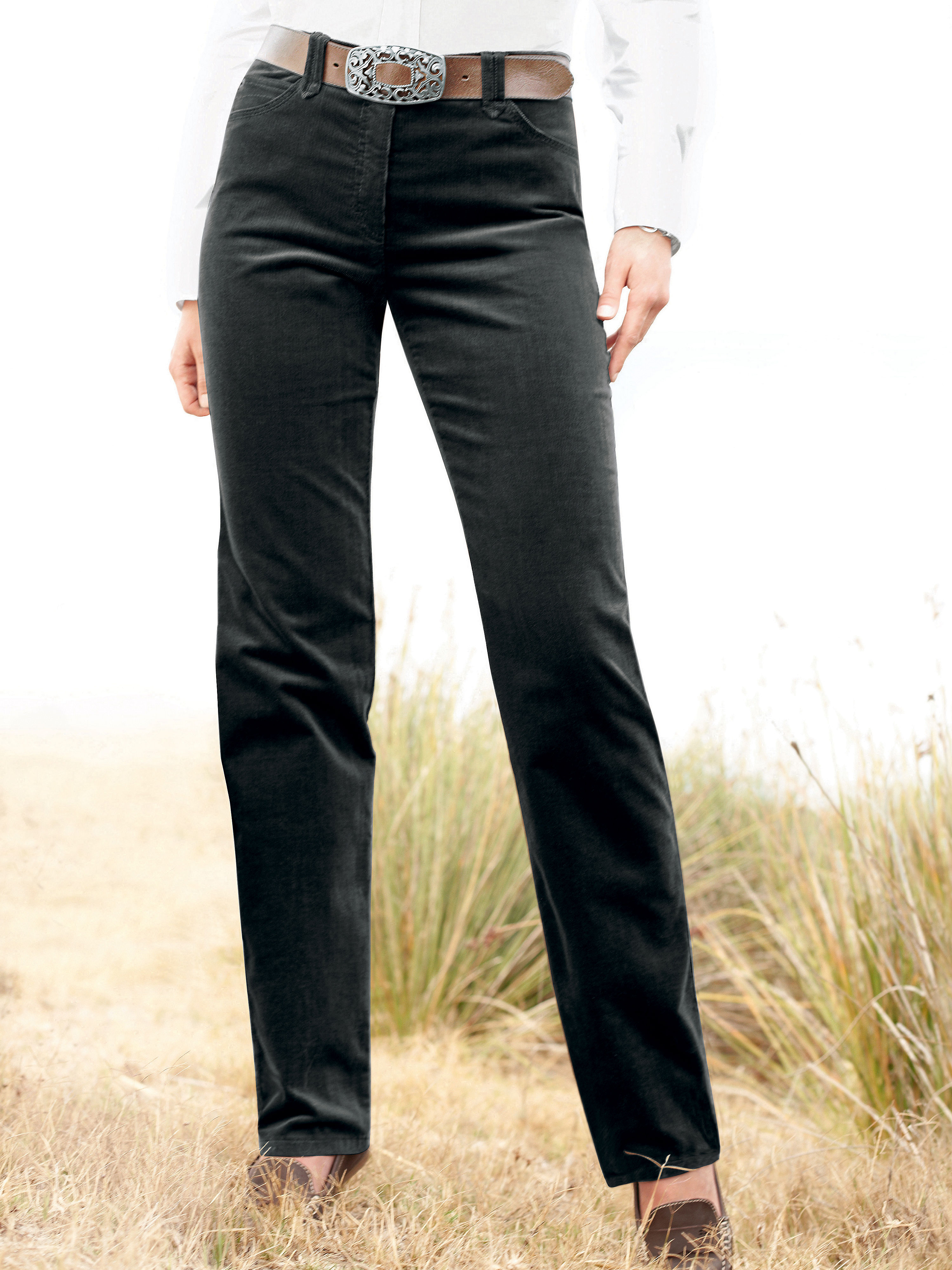 Fijncordbroek van brax feel good, model carola. 'feminine fit', aangename pasvorm met iets wijdere bovenbenen ...